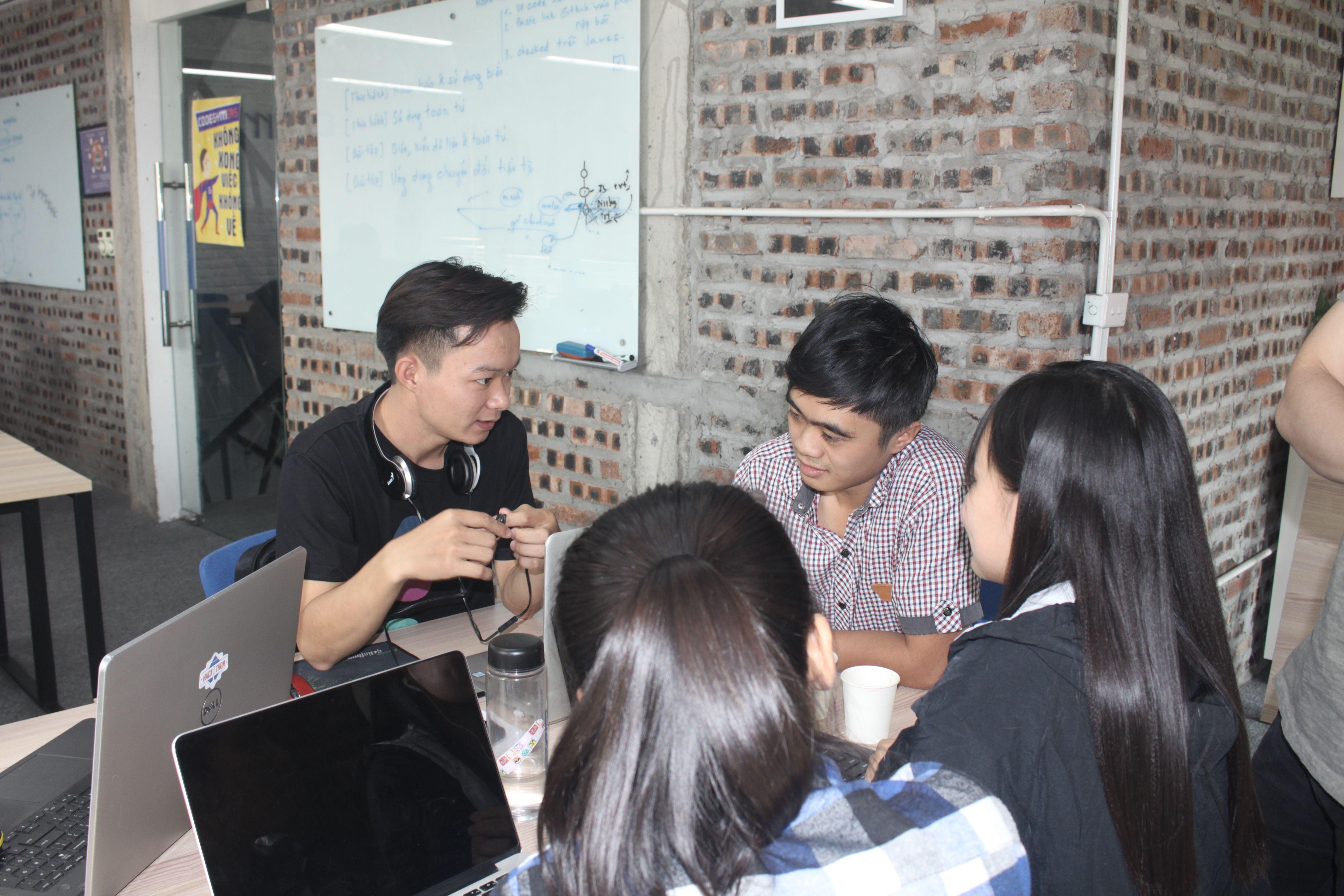 cuộc thi CodeGym Autumn Hackathon