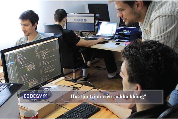 Học lập trình viên có khó không?
