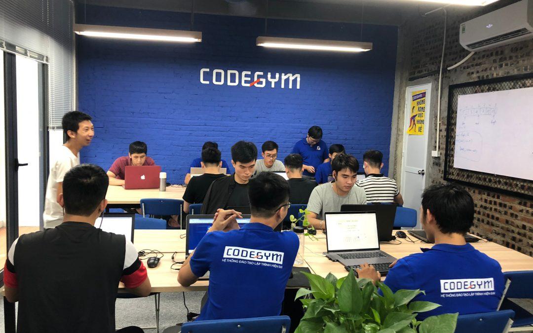 Coding Bootcamp – Lời giải cho bài toán nhân lực Công nghệ