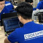 Trượt đại học, bạn vẫn có thể thành công nếu học lập trình theo mô hình Coding Bootcamp