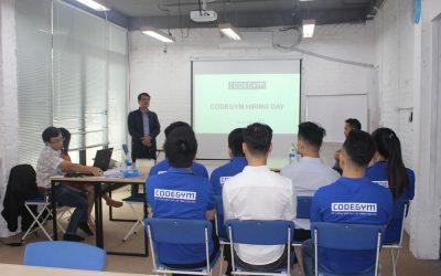 Doanh nghiệp phỏng vấn và tuyển dụng học viên CodeGym tại Hiring Day