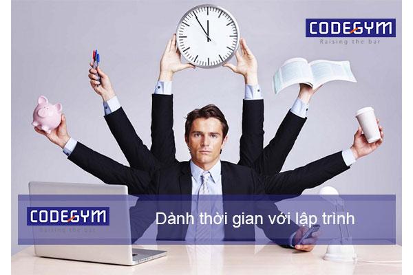 học lập trình Coding Bootcamp cần thời gian