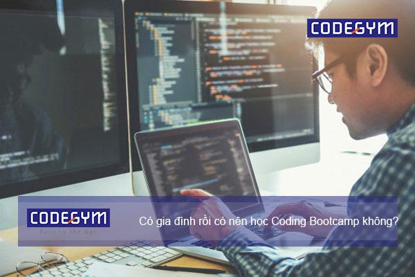 co-nen-hoc-coding-bootcamp-khong