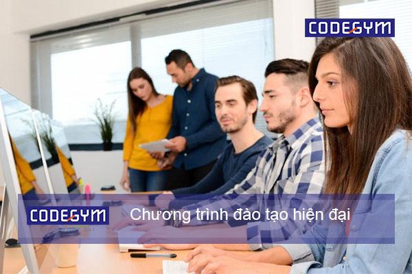 người lớn tuổi học coding bootcamp