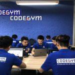 Học làm lập trình viên bắt đầu từ đâu? Ngôn ngữ lập trình nên học