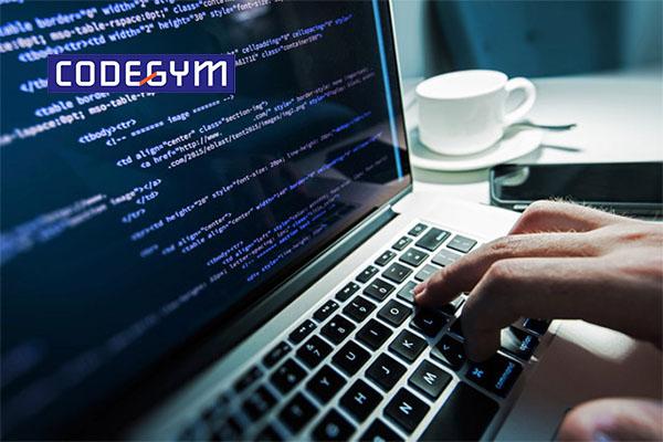 Làm lập trình viên tiếng Anh là gì? Vai trò của tiếng Anh trong lập trình
